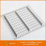 Le stockage d'entrepôt galvanisent la plate-forme de treillis métallique pour le défilement ligne par ligne de palette
