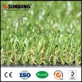 Professioneller grüner künstlicher natürlicher Gras-Teppich für Balkon