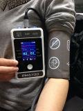 Ajustement pour le moniteur patient tenu dans la main d'adulte et d'enfant avec SpO2, ECG, etc.