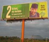 Formato enorme che fa pubblicità al tabellone per le affissioni esterno di Tri-Visione su Palo