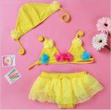 Maillot de bain coloré de gosses de petites filles