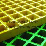 Suelo de la fibra de vidrio que ralla con el acoplamiento cuadrado