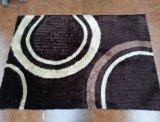 中国の普及した販売のシャギーで軽いラクダポリエステル平野のカーペットの敷物