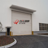 يتيح مصعد مرأب صناعيّة علبيّة قطاعيّ [سليد دوور] لأنّ مصنع