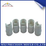 Kundenspezifische Plastikspritzen-Produkte für Gummiselbstersatzteile