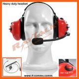Hinter dem Hauptdoppelohrenschützer-Kopfhörer mit XLR Schnelltrennkabel