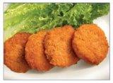 Miniburger-Huhn-Nuggets, die Maschine panieren