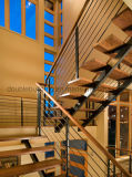 Escalera de madera sólida de la pisada del larguero doble