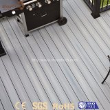 Réutiliser le composé en plastique en bois extérieur vert de WPC pour le Decking d'étage