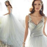 A - la ligne double d'amoureux attache la robe de mariage de Tulle avec le branchement