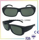 Ajustement au-dessus des lunettes de soleil avec la lentille polarisée pour des glaces de relevé