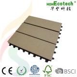 Le composé en bois matériel de imperméabilisation DIY couvre de tuiles la tuile de paquet de WPC