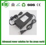 Heißes verkaufen54.6v 2A Li-Ionlithium Li-Polymer-Plastik Ladegerät für Stromversorgung mit kundenspezifischem Netzanschlusskabel