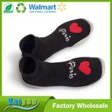 Calcetines de goma de Soled de la venta del modelo rojo negro de encargo caliente del corazón