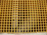 """Fibre de verre industrielle anti-corrosive râpant 1-1/2 """" profondément, 1-1/2 """" la maille carrée, jaune, avec la granulation"""
