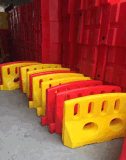 Plastikrotationsformteil-wassergefüllte Verkehrs-Sperre anpassen