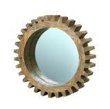 Frame de madeira velho do espelho de Natual da forma da engrenagem no revestimento antigo