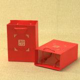 ギフトのための銀製の押すPantoneの色刷の小型紙袋かPPのハンドルとのショッピング