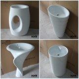 現代固体表面の浴室の流しのテーブルの上の洗面器