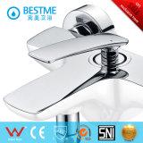 Fini en laiton de chrome de robinet de douche de couleur blanche (BM-50023W)