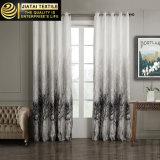 Preto e branco drapeja cortinas na venda em linha