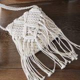A palha Hand-Woven ensaca a bolsa do Tassel da praia da mulher da forma