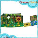 Equipamento mágico do campo de jogos das crianças
