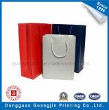 Glatte lamellierte Kunstdruckpapier-Einkaufstasche mit Griff