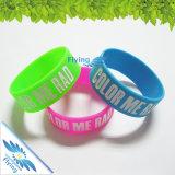 Wristbands del silicone di promozione con il nome/marchio/slogan in Debossed/stampa di schermo/volo impresso