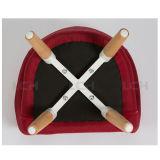 La pierna de madera embroma la tapicería de la tela de la silla del ocio de la silla