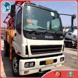 Isuzu 트럭 (37M 붐 길이)를 가진 사용된 Putzmeister 상표 구체 펌프