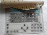 El metal cubre con una cúpula el interruptor de membrana táctil de Bosch de los botones