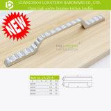 Zwei cm-Möbel-Bogen-Schrank-Verbrauch-Griff