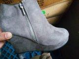 مخزون حذاء في سعر رخيصة جدّا لأنّ سيادة أنيق