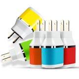 Carregador dobro colorido do USB do furo de plugue para o telefone móvel