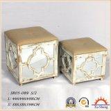 Rectángulo de almacenaje color crema decorativo de los muebles antiguos, rectángulo de regalo y maleta