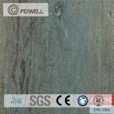 Scatto commerciale delle plance della pavimentazione del vinile di colore solido