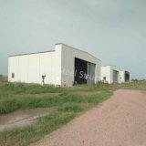Magazzino del capannone della struttura d'acciaio con la grande portata