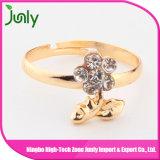 Anillos hermosos hermosos de las señoras de la joyería del anillo de compromiso del oro