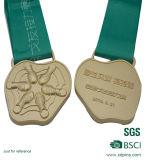 Medaille van de Sport van de Mat van de douane 3D Gouden Lopende met Sleutelkoorden