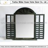 Specchio di legno rustico d'agricoltura misero Handcrafted di figura della finestra (in azione)