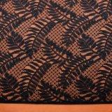 Tessuto di maglia lavorato a maglia jacquard a forma di foglia variopinto del merletto del reticolo di onda per l'indumento