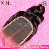 Chiusura allentata del merletto della parte di modo liberano/Middle/3 della chiusura 4X4 dei capelli umani dell'onda della chiusura del merletto dei capelli del Virgin del Malaysian di 100%
