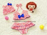 Swimwear colorido dos miúdos vermelhos das meninas