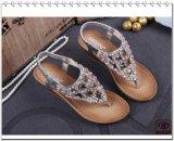Sandálias confortáveis do salto elevado