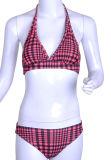 格子縞の甘い若い女性ビキニの女の子の水着のしまのある水着の女の子