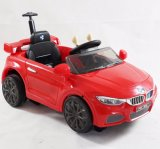 Kind-Fahrt auf Roboter-Auto mit Transformations-Funktion