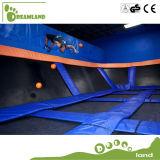普及したDodgeballは大人のためのトランポリン公園を遊ばす