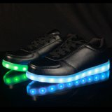30-46サイズのBlack&Whiteカラー大人LEDの靴のための最も普及したリオオリンピックLED照明靴