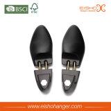 履物のコレクションのための贅沢で黒いマットの木の靴の木